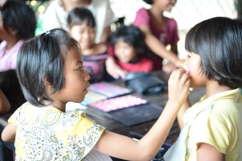 カンボジア 孤児院 自立支援 美容技術 ibva