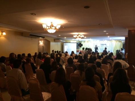 ミャンマー 日本人 洪水 救援物資 支援 丸山裕太 国際美容ボランティア協会 ibva 旅する美容師 世界 美容師 旅